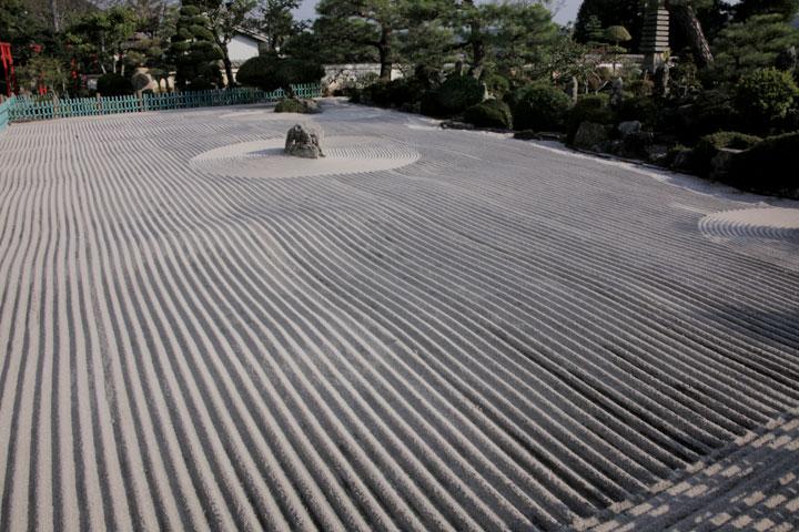 愚渓寺庭園