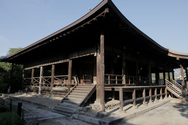 願興寺本堂
