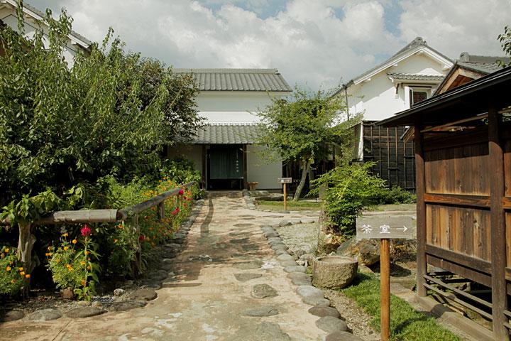 商家竹屋中庭