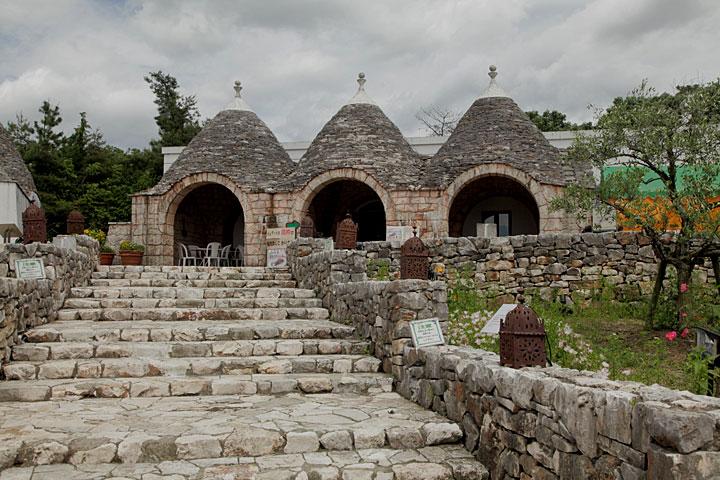 南イタリア アルベロベッロの家