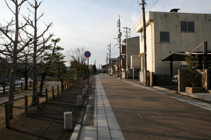 桑名城横の東海道