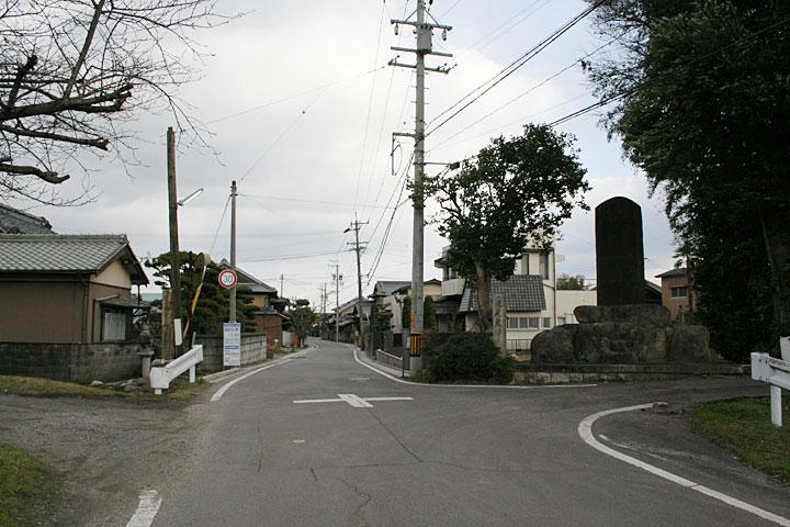女人堤防の碑従是東神戸領石柱周辺