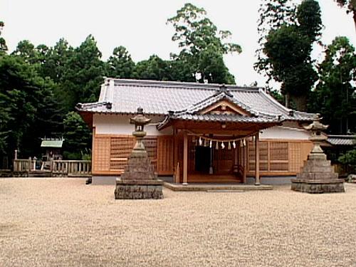 布気神社本殿