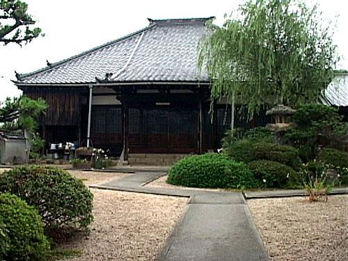 瑞光寺 関氏ゆかりの寺、境内にある権現柿は、徳川家康が関宿に立ち寄った時、賞味したといわれる
