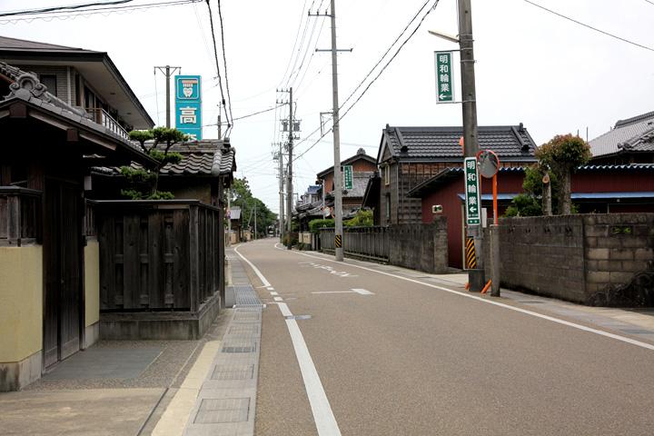 竹神社へ向かう伊勢街道