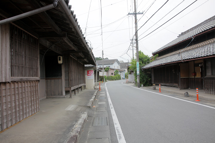 上川の町並み