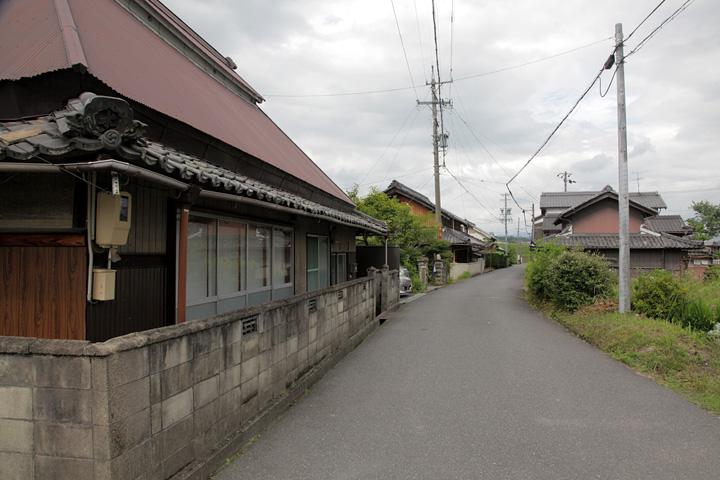 長田市場を行く大和街道