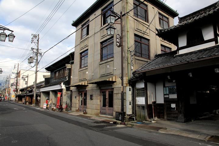 明覚寺付近の町並み