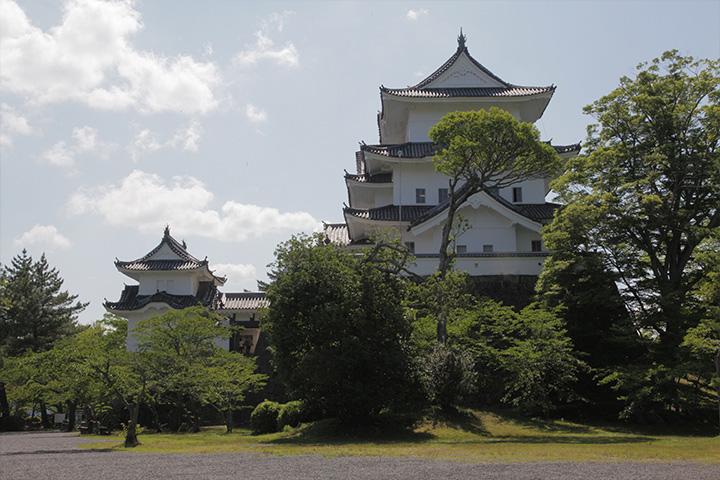 昭和10年復興された上野城天守閣