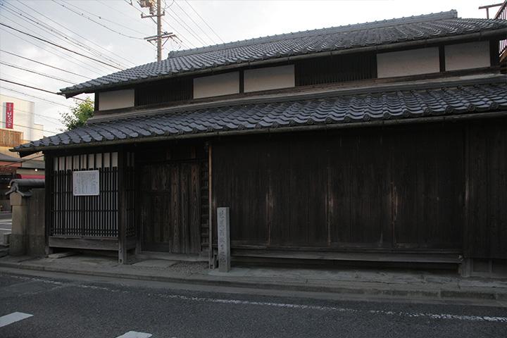 芭蕉は正保元年(1644)松尾与左衛門の次男として生まれた