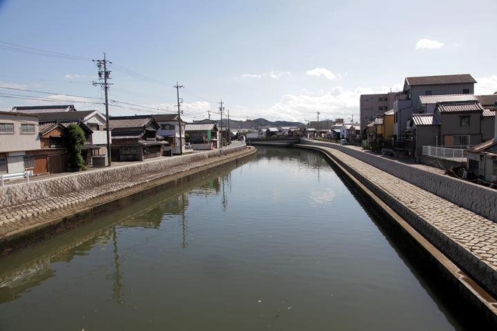 河崎は勢田川の水運を利用して発展した