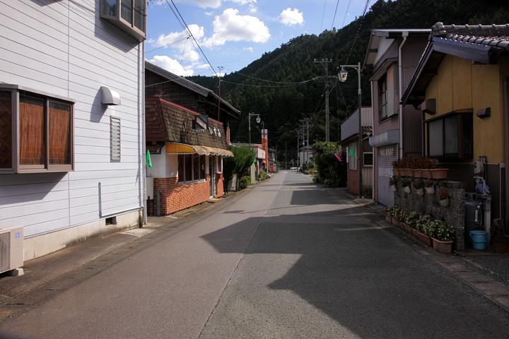 竜洞院前の別所街道