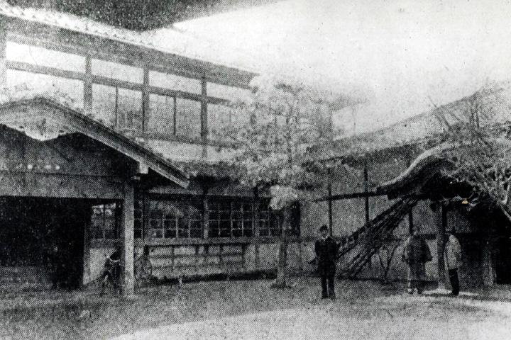 名古屋区役所のちの市役所(栄町南西角)