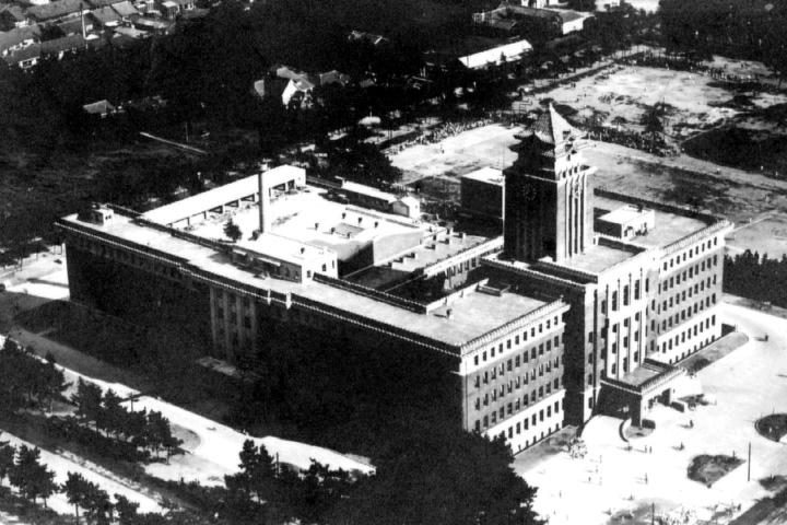昭和8年 栄町から移転新築された名古屋市役所